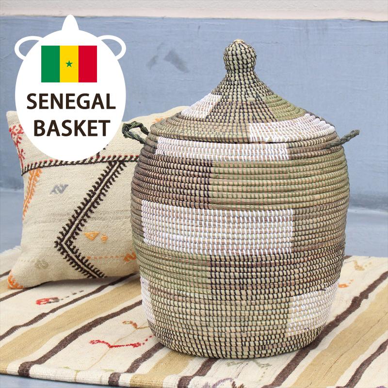 セネガル産手編みのランドリーバスケット高さ53cm・ふた・取っ手付きブロック柄グリーン・ブラック・ホワイト