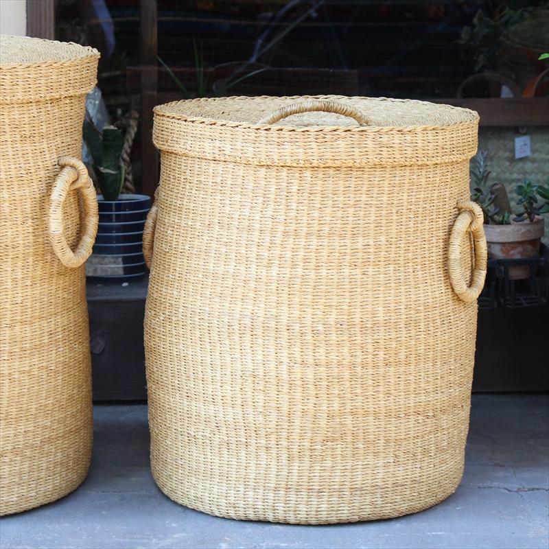 アフリカのランドリーふた付きバスケット 高さ48cm 筒型/大サイズ/ボルガバスケット/水草/天然素材使用/
