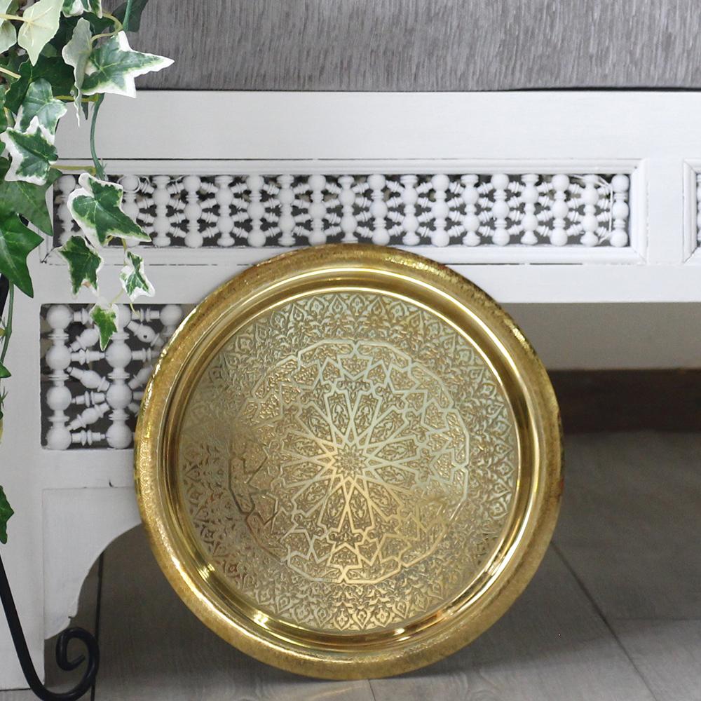エジプト・真鍮製のトレー/アラベスク模様・ゴールド直径30cm・丸盆/イスラミックな幾何学デザイン, エプロン専門店JOKER:c6cd45db --- chargers.jp