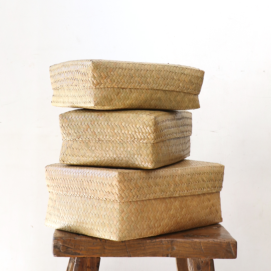 かごバスケット・タイ製 ナチュラルカラー カチュー水草 ふた付レクタングル収納ボックス 3点セット Basket Asian straw basket, Thailand