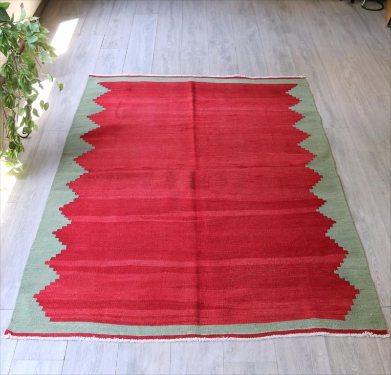 オールドキリム・チャナッカレ/セッジャーデ195×137cmエンプティデザイン・赤のグラデーション