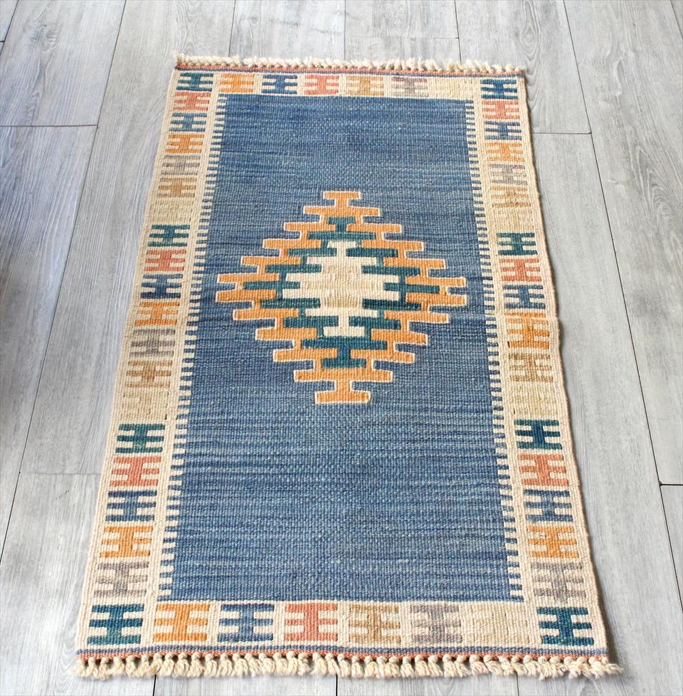 色にこだわる~ワンランク上のカイセリ産手織りキリム100×55cmブルー&アイボリー