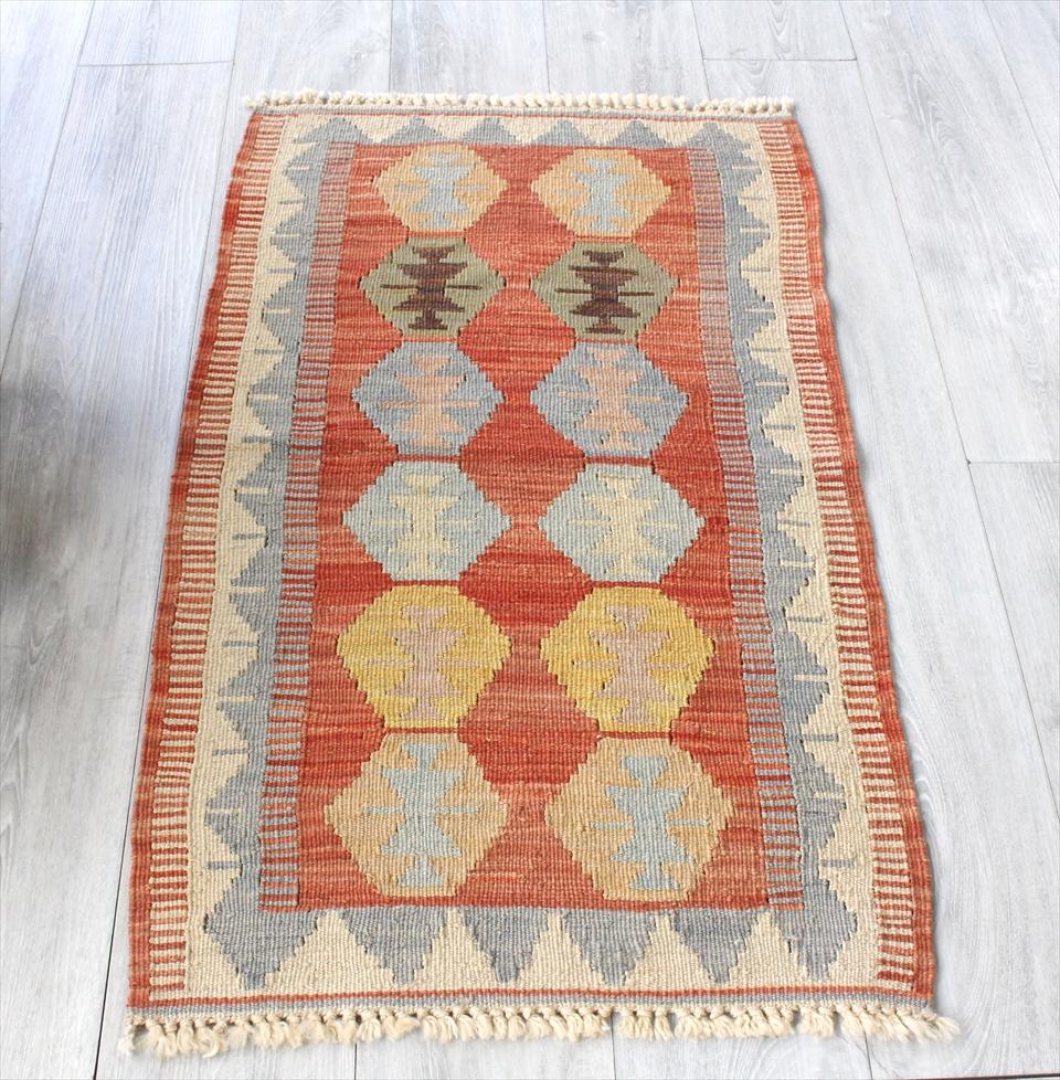 色にこだわる~ワンランク上のカイセリ産手織りキリム106×63cmオレンジレッド&ブルーグレー