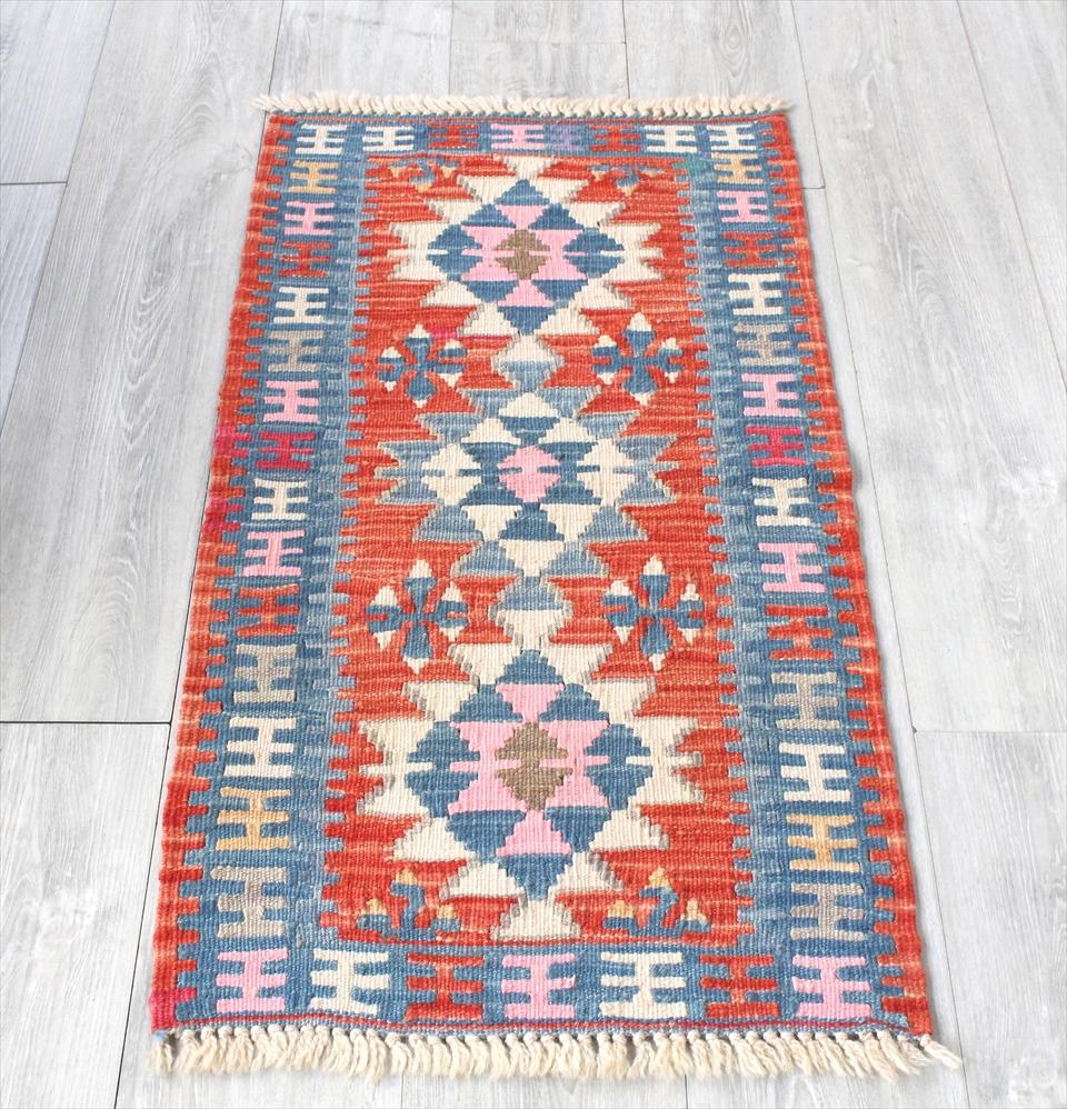 色にこだわる~ワンランク上のカイセリ産手織りキリム99×53cmレッド&ブルー 3つのメダリオン