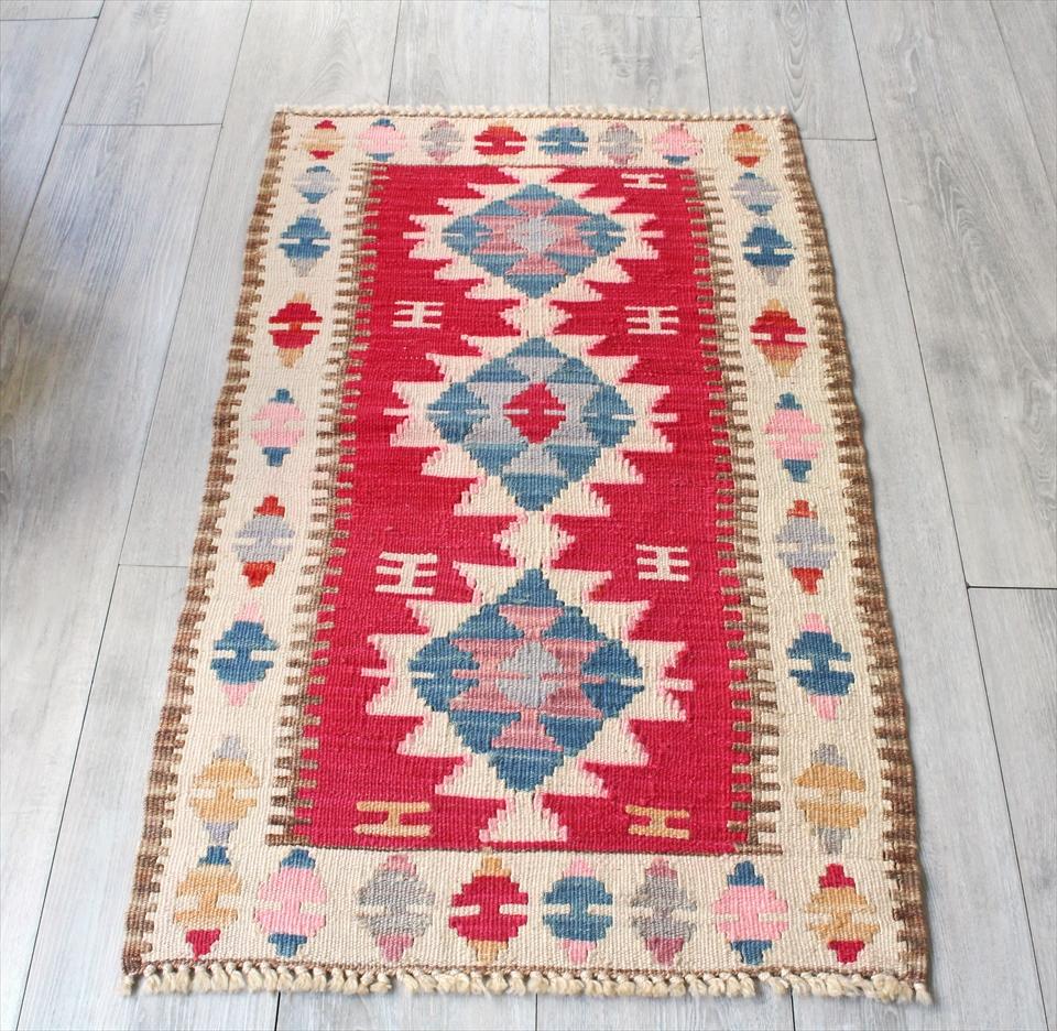 色にこだわる~ワンランク上のカイセリ産手織りキリム103×60cmピンク&アイボリー