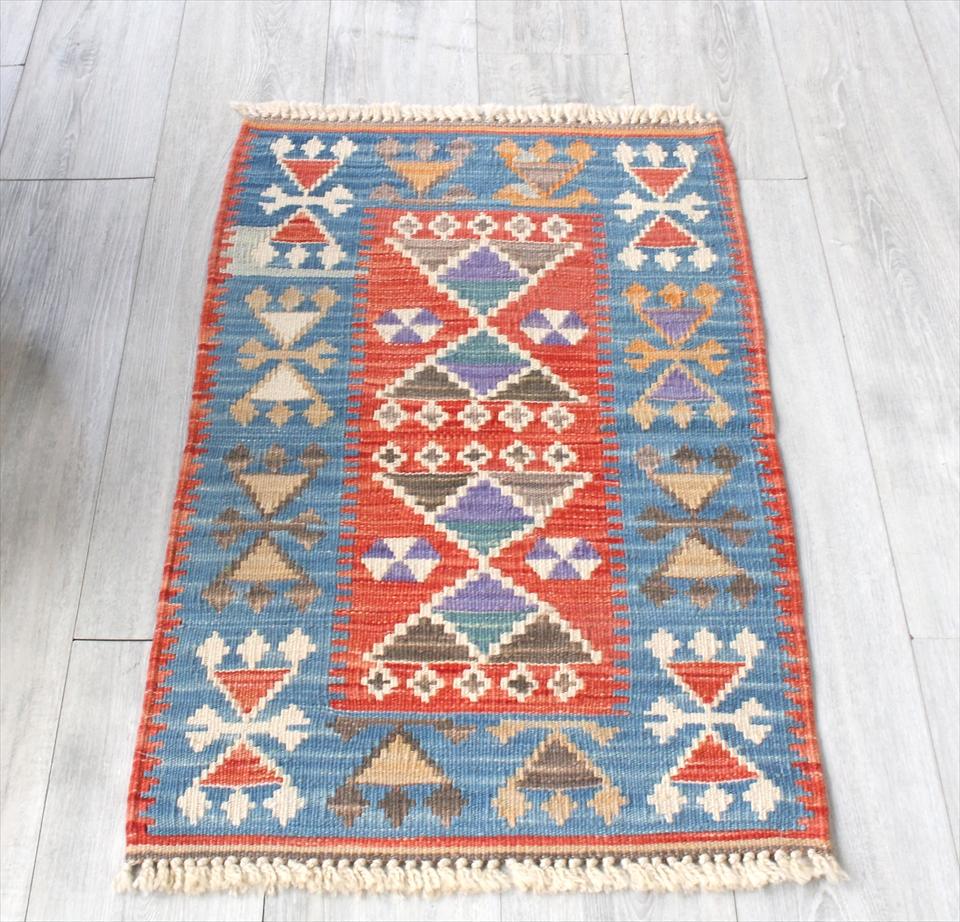 色にこだわる~ワンランク上のカイセリ産手織りキリム95×57cmレッド&ブルー/耳飾りのモチーフ