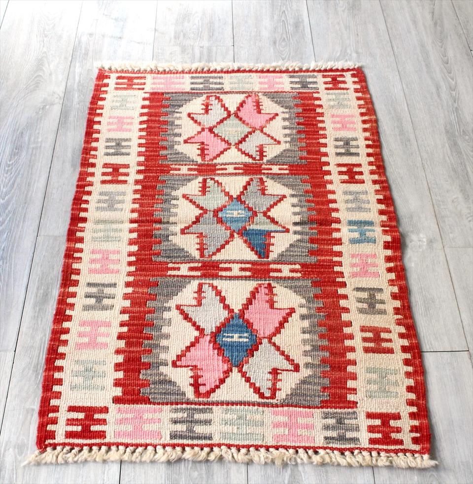 色にこだわる~ワンランク上のカイセリ産手織りキリム97×59cmレッド&アイボリー