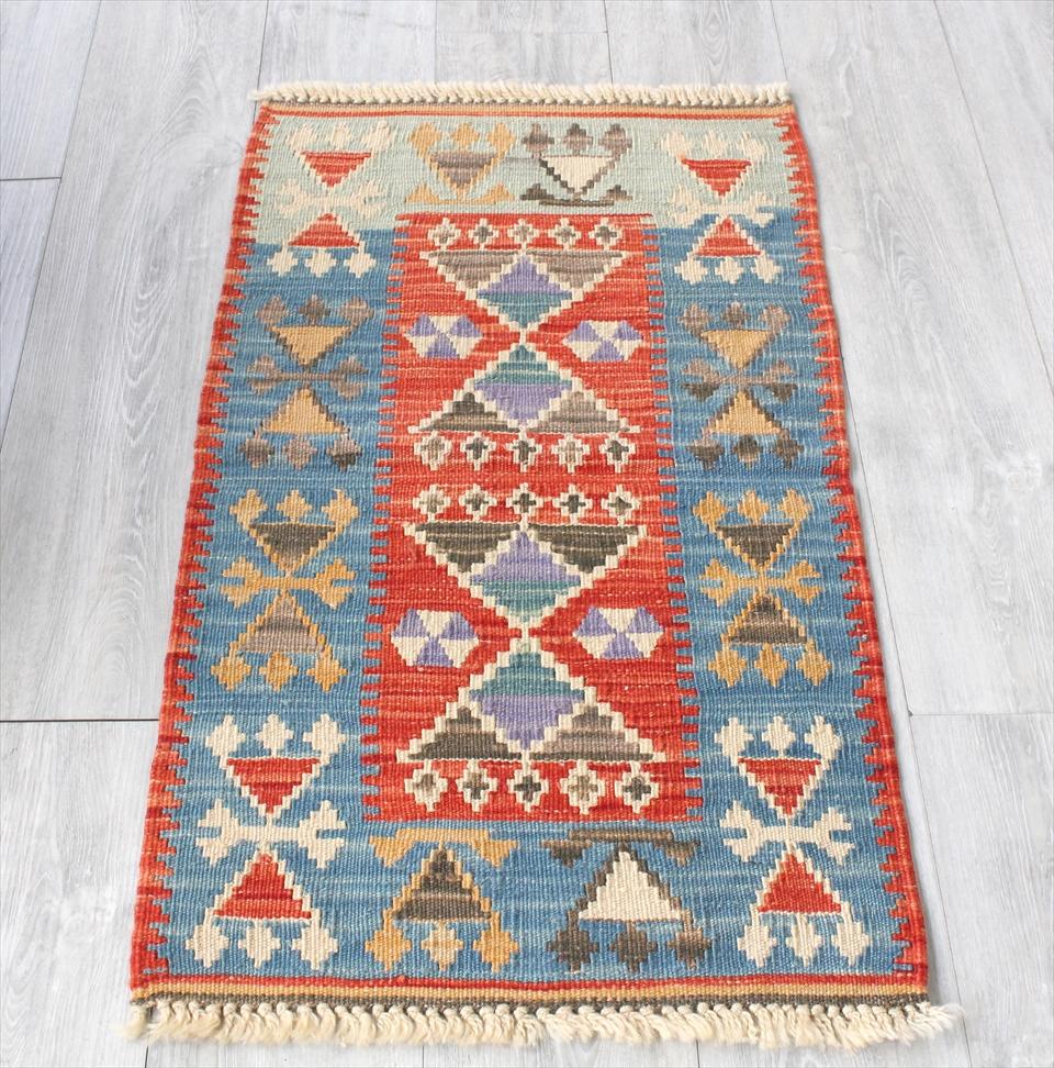 色にこだわる~ワンランク上のカイセリ産手織りキリム98×56cmレッド&ブルー/耳飾りのモチーフ