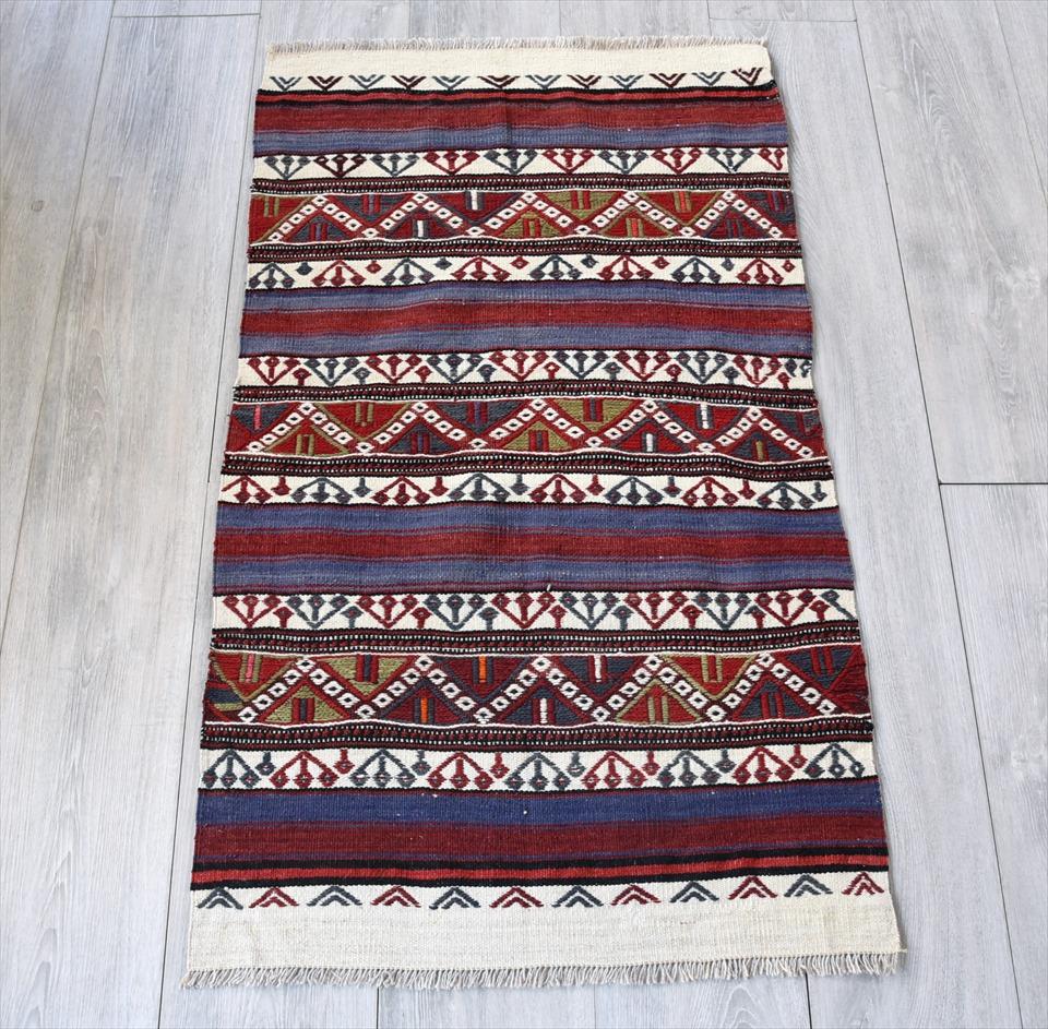 オールドキリム・ベルガマ 収納袋のチュアル104×63cm赤と紺・ナチュラル ジグザグのスマック織り