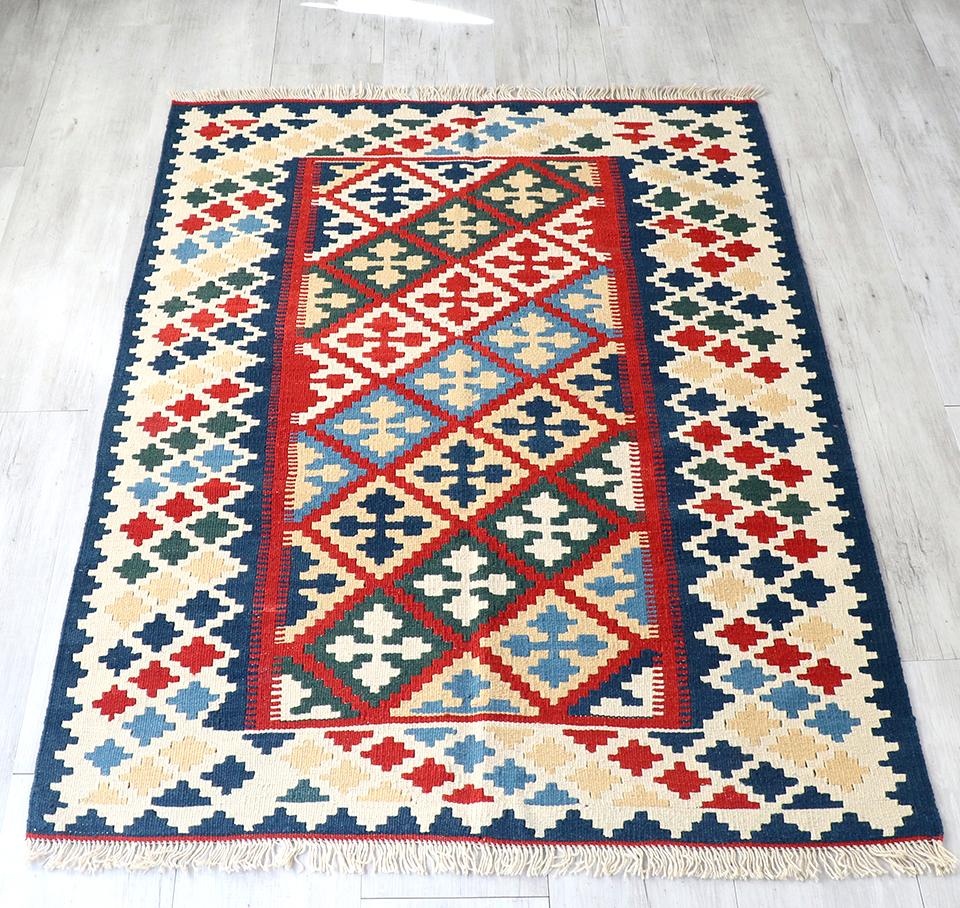 カシュカイ族の手織りキリム・セッヂャーデ169×117cm連なるクロスモチーフ