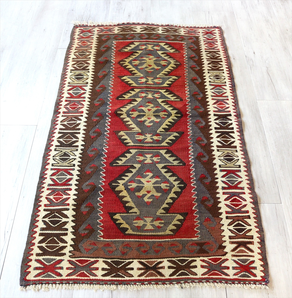 アダナキリム/トルコ手織りキリム ウール136×78cmチェイレキ 3つのエリベリンデ