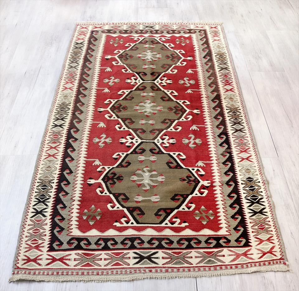 アダナキリム/トルコの手織り ウール190×106cmセッヂャーデ 3つのメダリオン