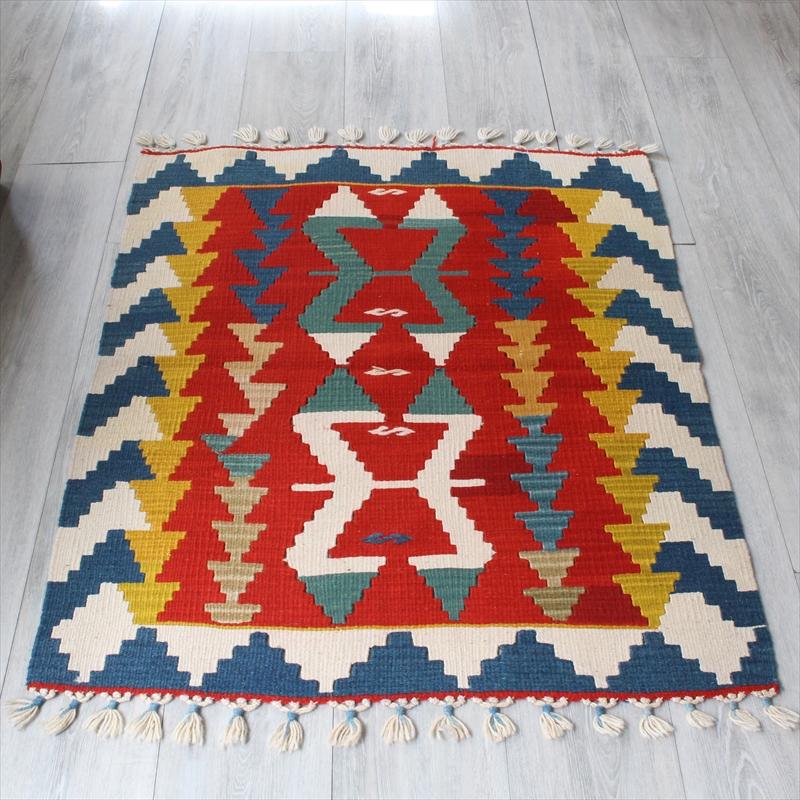 手織りのスタンダード トルコ・カイセリキリム/105×84cmチェイレキ雄羊の角のモチーフ