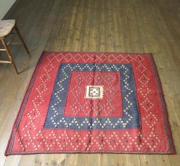 オールドキリム・アフシャール族のソフレ・正方形スクエア130×137cm