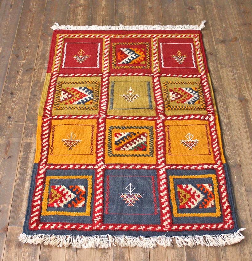 モロッコキリム・タズナフト/ヤストゥクサイズ105×68cm凹凸のあるパイル織りミックス