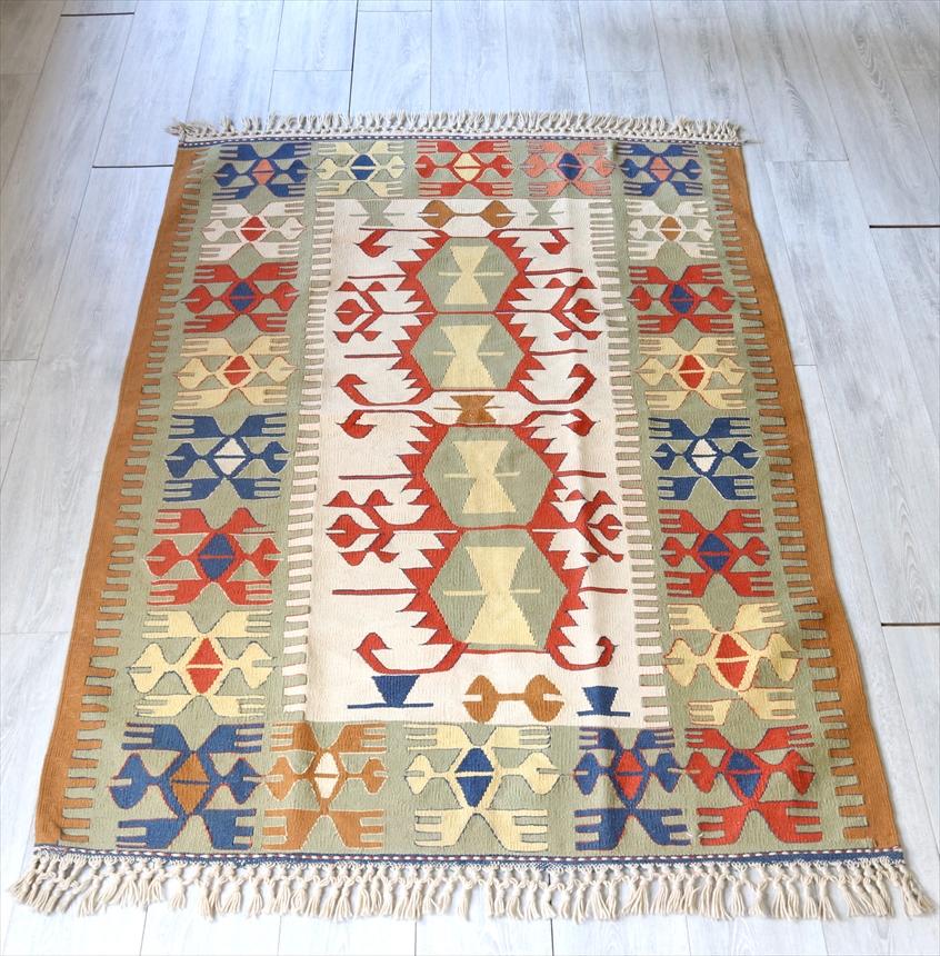 トルコ手織りキリム ウシャク・セッヂャーデ172×124cm雄羊の角を持つ六角モチーフ