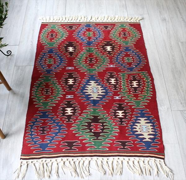 ウシャクキリム・良質ウールを使ったやわらかな織り120×88cm連続する櫛のモチーフ