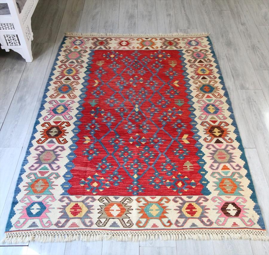 色にこだわる~トルコ・カイセリキリム Turkish Kilims Kayseri セッヂャーデ185×136cmシャルキョイ地方の伝統柄