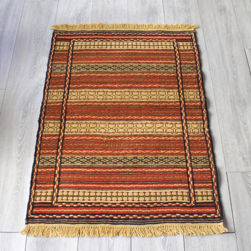 マシュハド・スザンニ織りのキリム97×70cmオレンジのジジム