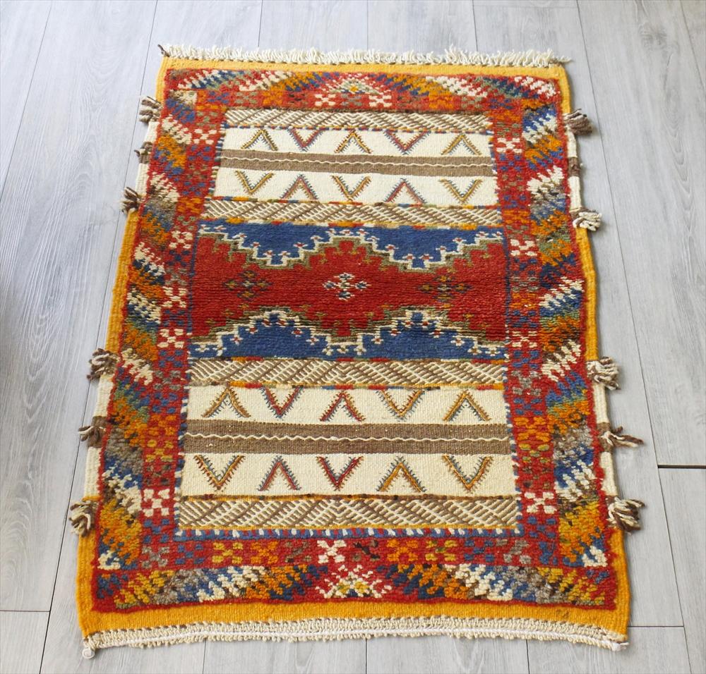 モロッコキリム・タズナフト/ヤストゥクサイズ104×67cm凹凸のあるパイル織りミックス