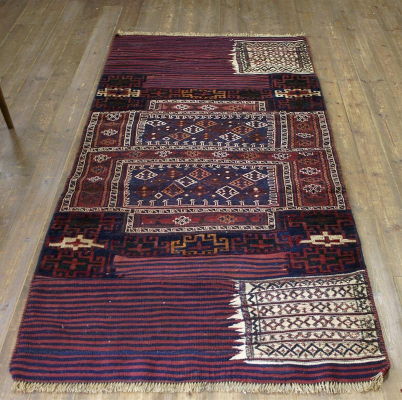 バクティアリ族のキャメルバッグ・オールドキリム217×101cm落ち着いた赤と紺・細かなスマック織り