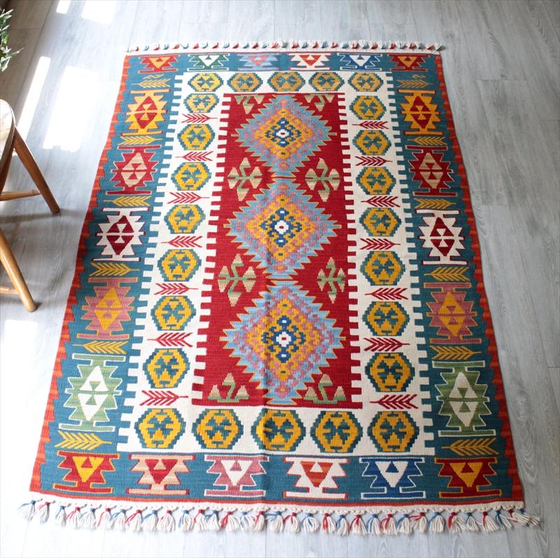 カイセリキリム/トルコ手織りラグ・センターラグサイズ・セッヂャーデ178×117cm3つのサソリのメダリオン・麦の穂のあるボーダー