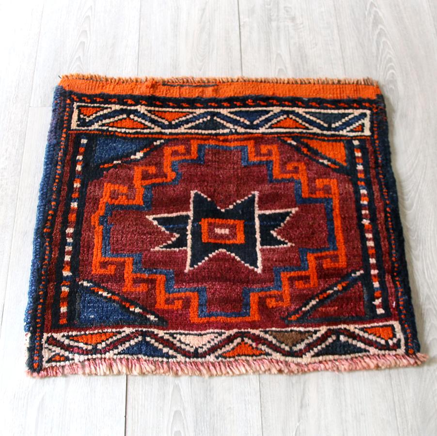 オールドカーペット・シャーサバン51×56cmマフラッシュのパネル 玄関マット・部族絨毯トライバルラグ
