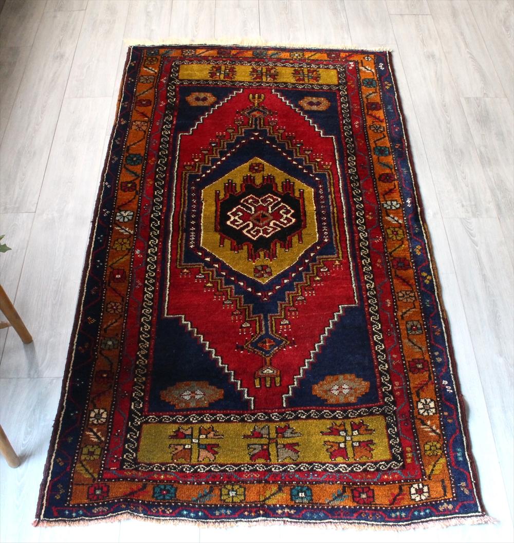トルコ絨毯・オールドラグ/セッヂャーデ194×104cmヤヒヤル・赤い六角形のメダリオン