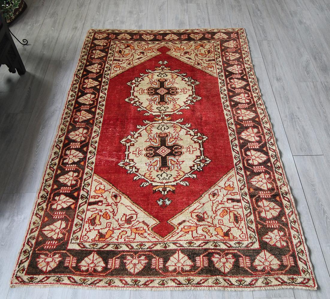 部族絨毯(トライバルラグ)/オールドカーペット・トルコじゅうたん214×137cmコンヤ・赤い六角形のメダリオン