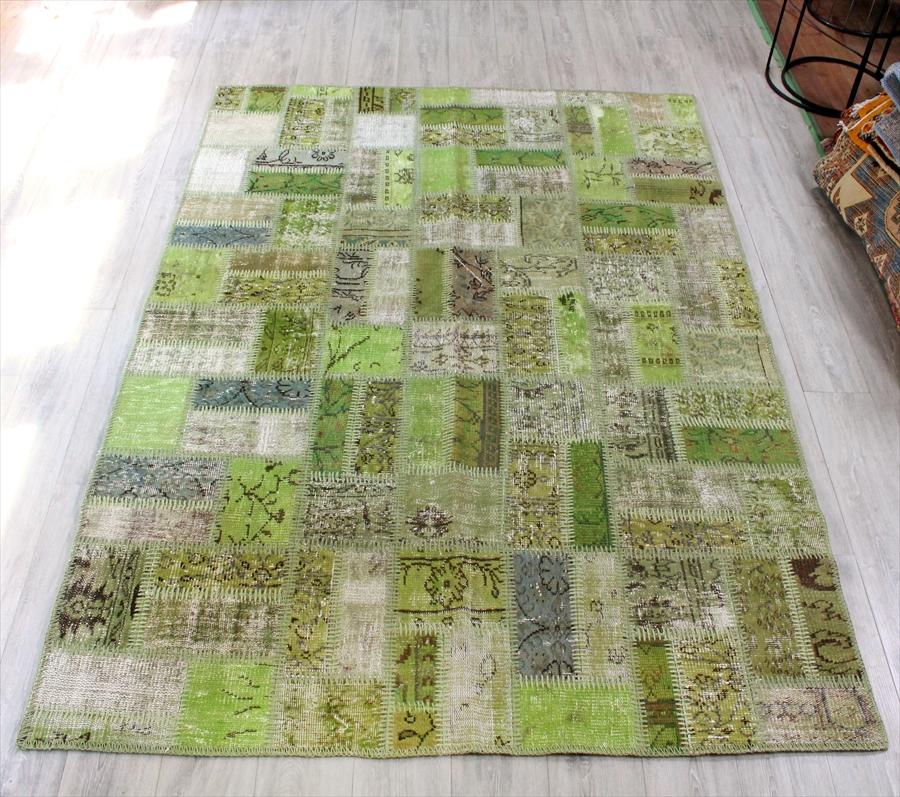 リサイクル・パッチワークラグ細かなパネル245x170cm/アナトリア手織りカーペットライトグリーン・カリヨラサイズ