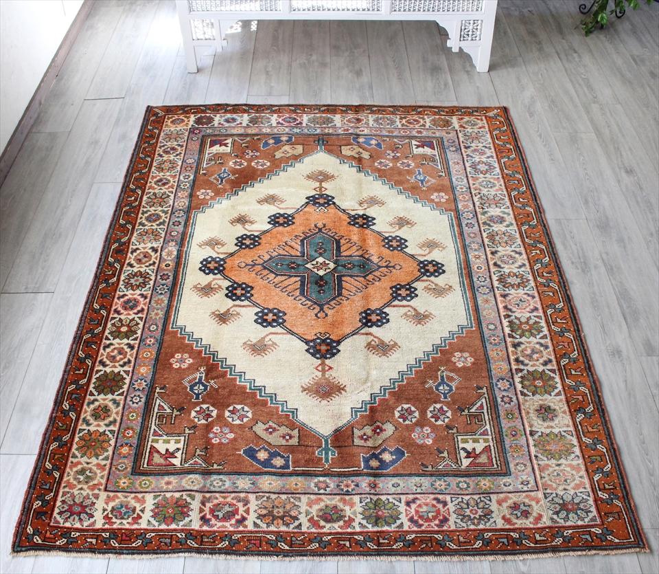 エリアラグ・トルコ絨毯 アフヨンダズグル カリヨラ205×158cmオレンジ・ブラウン 花で飾られたメダリオン