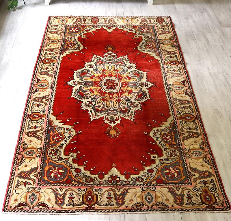 エリアラグ 部族絨毯/オールドカーペット・カリヨラ250×151cm鮮やかな赤・花のメダリオン
