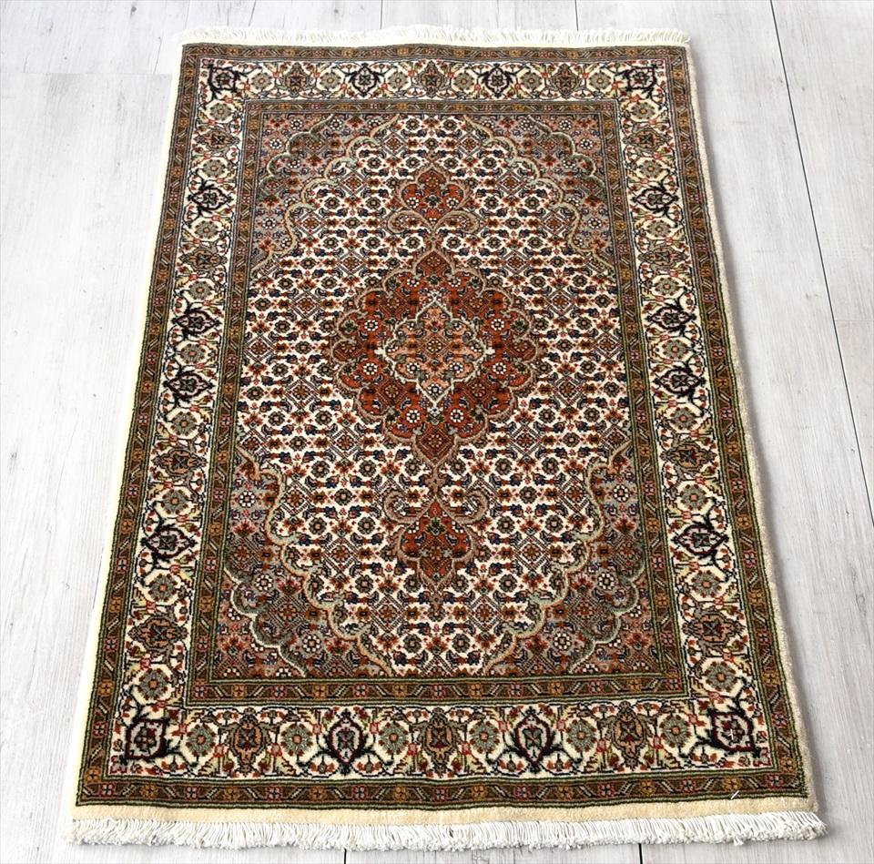ペルシャ絨毯 タブリーズ産マヒ 玄関マットサイズ92×62cm ベージュ&オレンジ/メダリオン・マヒ