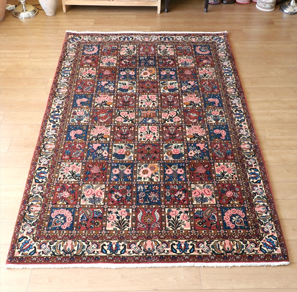 トライバルラグ・部族絨毯 バクティアリ産手織りラグ246×156cm リビングサイズ レッド/ガーデンデザイン