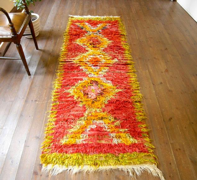 トゥルtulu/長い飾り糸を施した装飾用オールドキリム245×80cmシブリヒサル・ダイヤ形のモチーフ