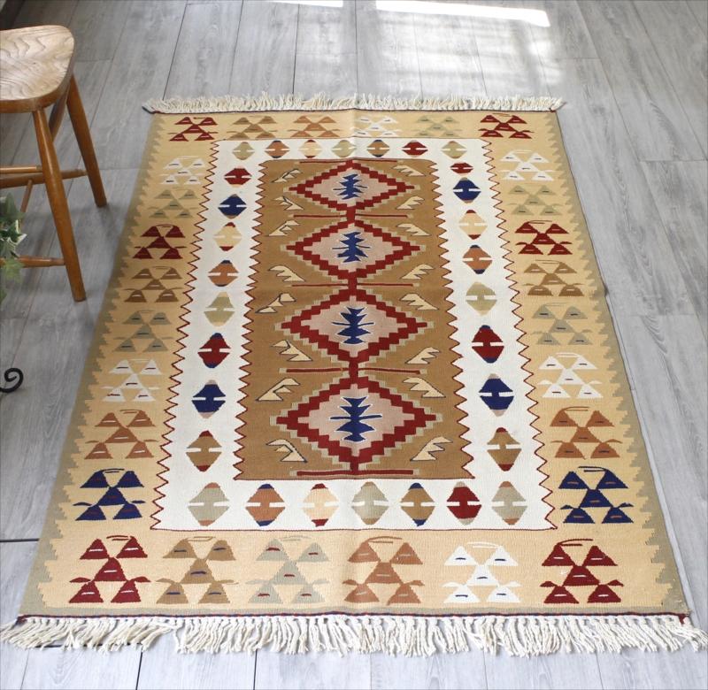 トルコキリム・ウシャク 手織りウール100% セッヂャーデ167×113cm4つのダイヤのメダリオン