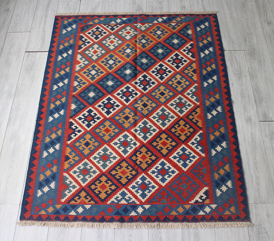 手織りキリム・カシュカイ/シラーズセッヂャーデ171x130cm ひし形の並ぶ伝統柄