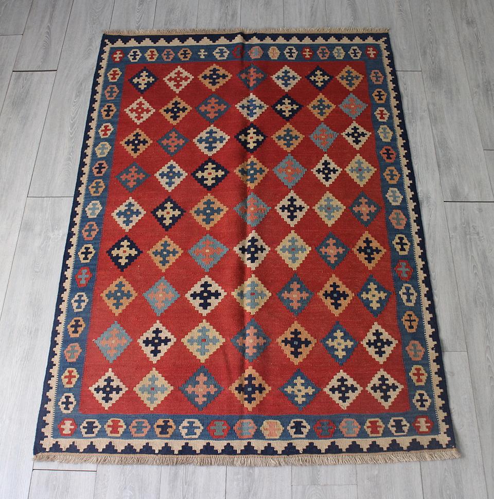 手織りキリム・カシュカイ/シラーズセッヂャーデ175x120cm レッド・クロスモチーフの伝統柄