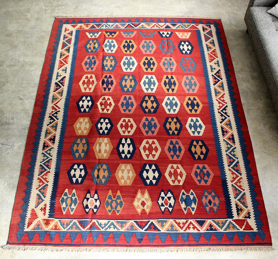 シラーズ・カシュカイ族の手織りキリムリビングサイズ238x174cm・カリヨラ 明るいレッド