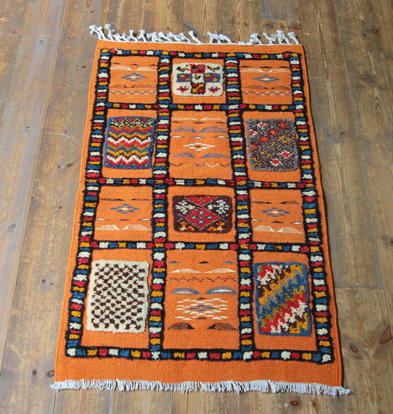 モロッコキリム・タズナフト/ヤストゥクサイズ97×57cm凹凸のあるパイル織りミックス