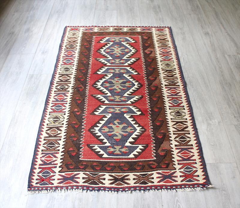 トルコ手織りキリム・アダナキリム・バフチェジック/ウール100%135×80cm3つのエリベリンデ チェイレキ