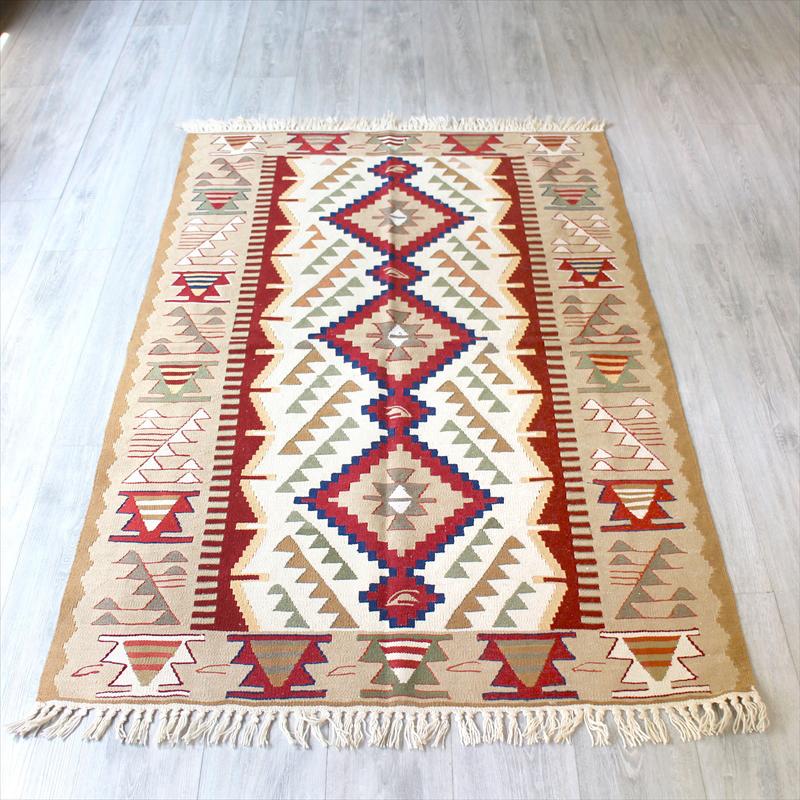 ウシャクキリム・アースカラー・細かな手織りのトルコキリム セッヂャーデ173×112cm3つのひし形サンドゥック レッド&ベージュ
