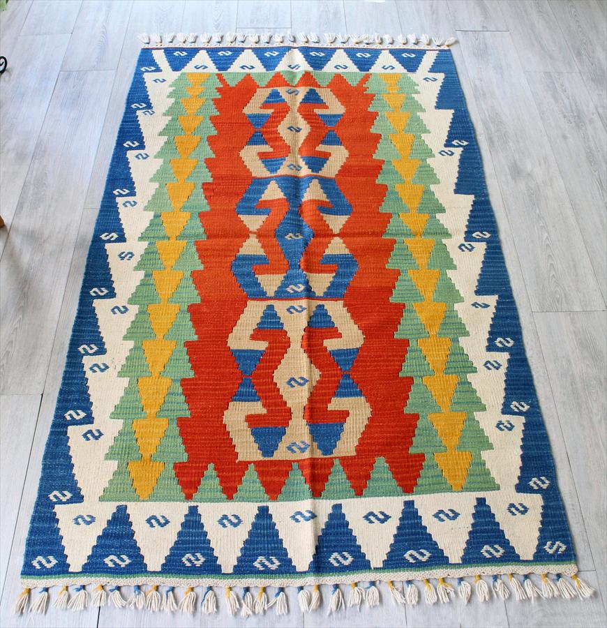 手織りのスタンダードカイセリキリム・セッヂャーデ175×102cm雄羊の角モチーフ レッド・グリーン・ブルー