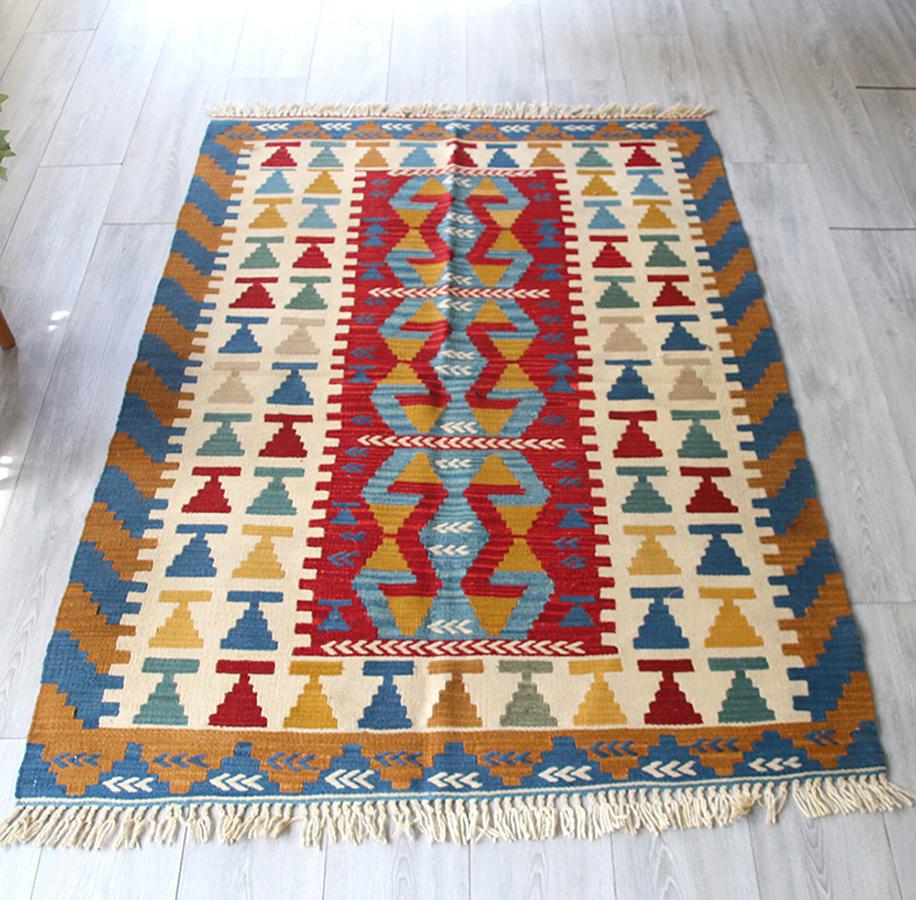 トルコキリム・手織りのカイセリキリム/セッヂャーデ174×116cm三つのコチボユヌズ(雄羊の角)