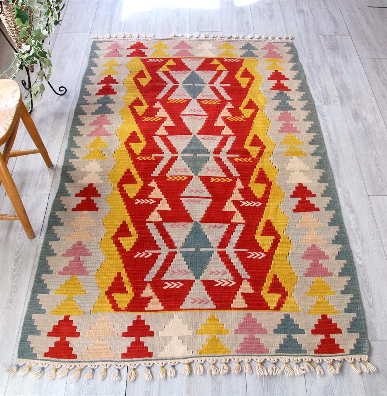 カイセリキリム・トルコ手織りウール100%キリムラグ184×115cmセッヂャーデ 3つのベレケット