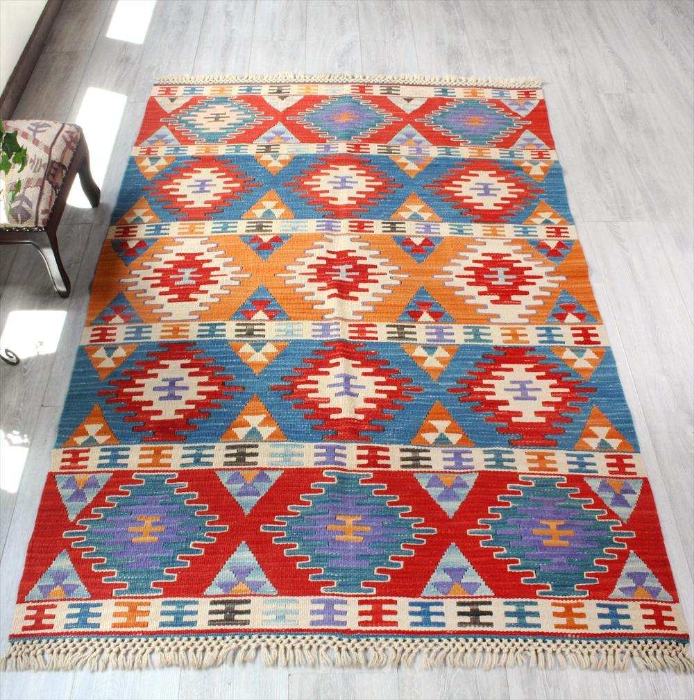 色にこだわる~ワンランク上のカイセリ産手織りキリムセッヂャーデクシのモチーフ/オレンジ・レッド・ブルー