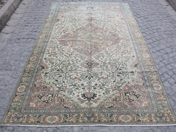 【イスタンブール在庫】オールドカーペット・トルコ絨毯 カイセリ/ケッレ280×178cmひし形メダリオン・花のモチーフ