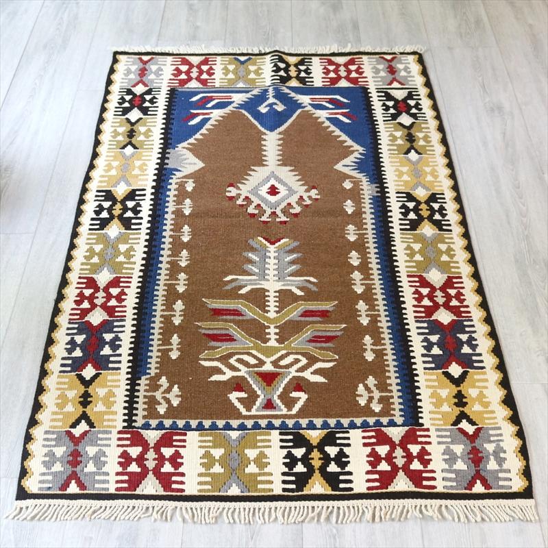 トルコ伝統の手織りキリム・ヤヒヤル村/チェイレキ145×82cmシャンデリアのあるミフラープ