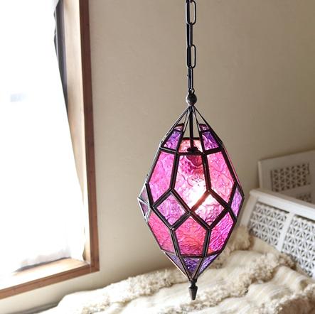 モロッコランプ・ガラスペンダントライト/キャンドルホルダー 多面体形ランプ フューシャピンク多面体のレリーフガラス Morocco Lantern Candle holder E17 25W 白熱球付き
