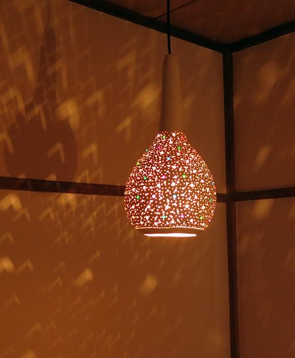 ひょうたんランプ/天井照明 エスニック照明・ホワイトペイント トルコ/ボドルム産 手作り 一点もの/E17電球25W付属 /Turkish Gourd lamp, BOHO, Oriental Lamp